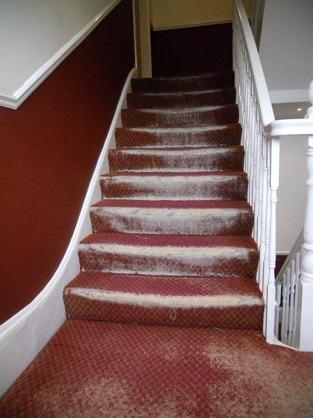 Red Carpet Stairs Landing Lets See Carpet New Design